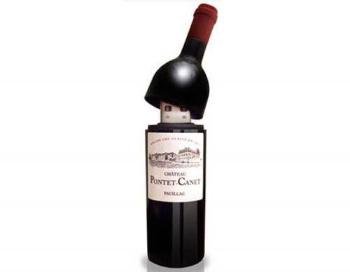 Especial: Una memoria USB, en forma de botella de Vino